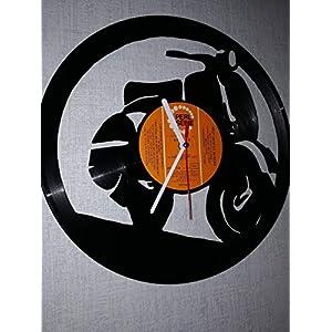 Wanduhr aus Vinyl Schallplattenuhr Vespa Upcycling Design Uhr Wand-Deko Vintage-Uhr Retro-Uhr Made in Germany