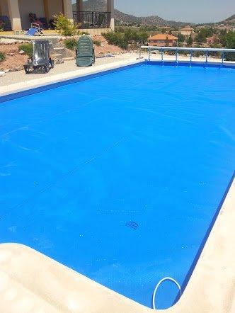 Bâche piscine à Geo Bubble pour Piscina 2x3 m 400µ (Seulement cousu sur les Bords)