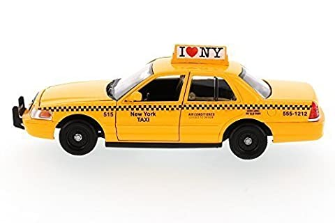 Showcasts I Love New York 2010 Ford Crown Victoria ILNY Taxi Cab 1/24 Scale Diecast Model Car