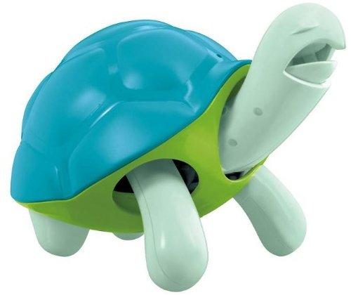 La alimentación de la tortuga azul banco de moneda