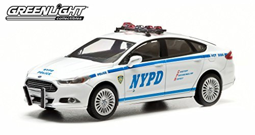 2013-ford-fusion-new-york-police-department-nypd-in-display-showcase-1-43-by-greenlight-86052-by-gre