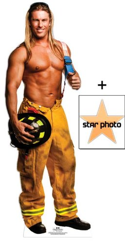 *Fanbündel* - Kevin Fireman Outfit - Chippendales Lebensgrosse Pappfiguren / Stehplatzinhaber / Aufsteller - Enthält 8X10 (25X20Cm) starfoto - Fanbündel (Chippendale Outfit)