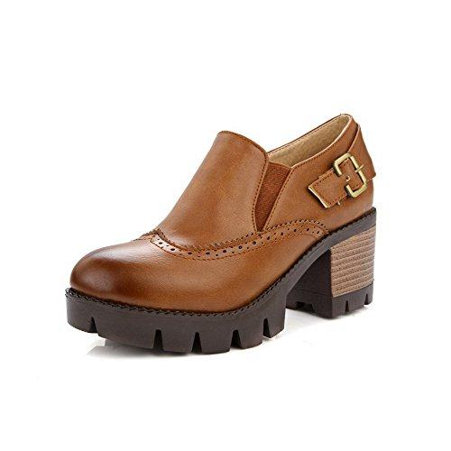 AllhqFashion Damen Rund Zehe Mittler Absatz Weiches Material Rein Ziehen Auf Pumps Schuhe Braun