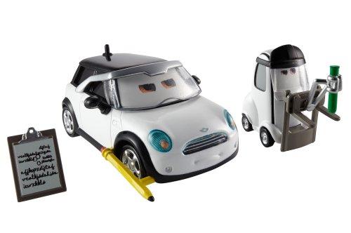 Mattel BDW82 - Disney Pixar Cars 2er Pack Jessica Giampetrol und Nate Stanchion