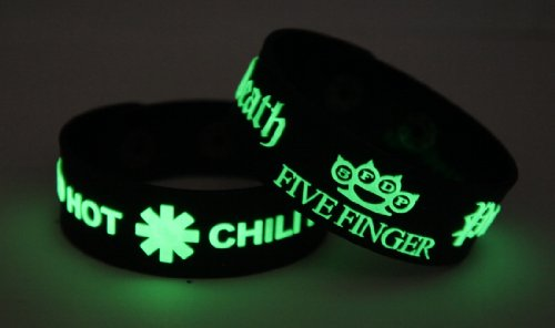 Red Hot Chili Peppers Five Finger Death Punch 2pcs NEU. Glow In The Dark Wristband 2 X 12 G124