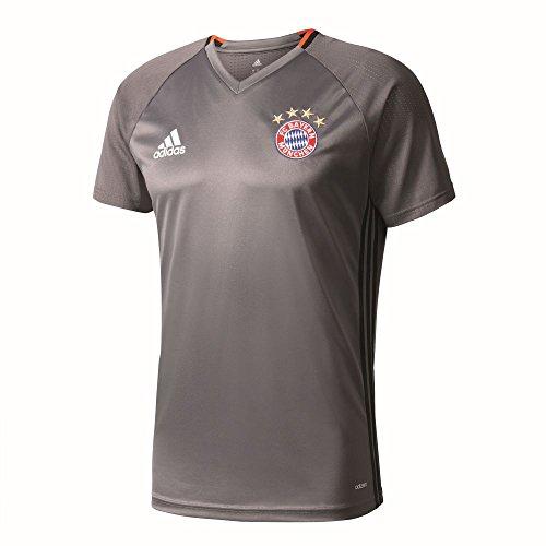 Muestra tu apoyo para el Bayern, en-enfilant este camiseta entrenamiento de fútbol jugadores Bayern Munich-17/18en los colores blanco y rojo, firmado Adidas.Diseñado en 100% poliéster, este tshirt bundesligue alemana del equipo Bayern Munich-D...