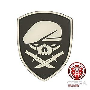 Cobra Tactical Solutions SAS béret Skull Tête de Mort 3D PVC Military Patch Blanc (Glows in The Dark) avec sa lanière Hook & Loop pour Airsoft/Paintball pour Sac à Dos Tactique, Vêtements