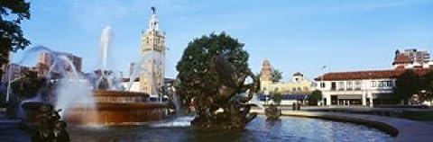 Panoramic Images – Fountain in a city Country Club Plaza Kansas City Jackson County Missouri USA Photo Print (91,44 x 30,48 (Kansas City Country Club)
