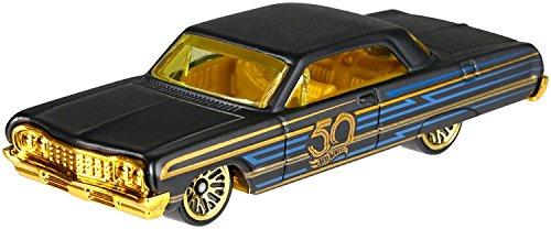 HW Hotwheels 50th Anniversary Negro y Oro FRN38 – 1964 Chevy Impala 5/6