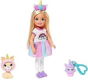 Barbie Chelsea Disfraz de Arcoiris, Muñeca con Accesorios y Mascota(Mattel Ghv70)