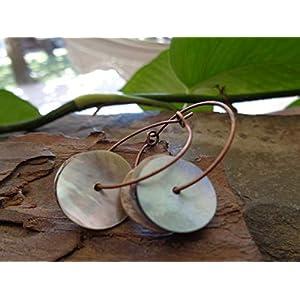 ✿ SCHIMMERNDE PERLMUTT RONDELLE AN KLEINEN KUPFER CREOLEN ✿ einzigartige Ohrringe