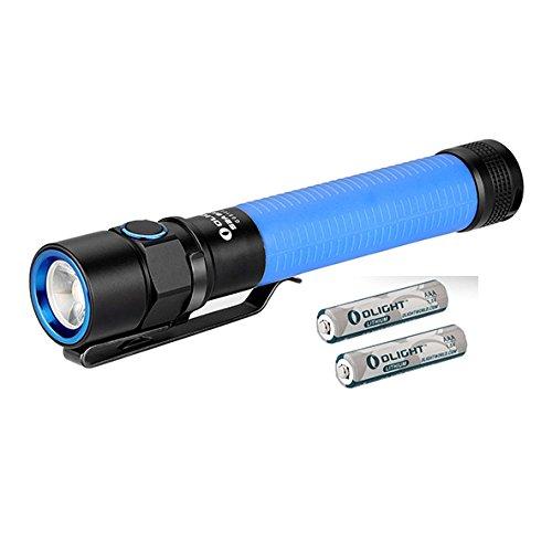 OLIGHT S2A BATON Lampe de Poche AA LED Cree XM-L2 550 Lumens - 5 Niveaux de Luminosité et Strobe - Batterie Lithium-Iron Piles AA Comprise - Bleu( Corps fluorescent dans le noir)
