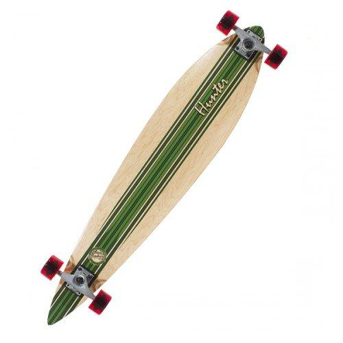 Das Mindless Hunter III ist ein Longboard mit einer Retro-Surf-inspirierten Grafik, konkavem Deck, großem Flex und mit Mindless Team-Rädern serienmäßig.  -