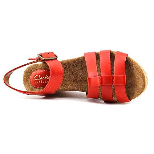 Clarks Caslynn Harp Strappy Sandal Grenadine Leather
