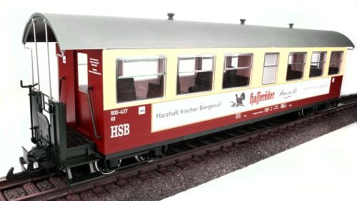 train-line45-cars-hsb-hasseroder-red-and-beige-8-window-scale