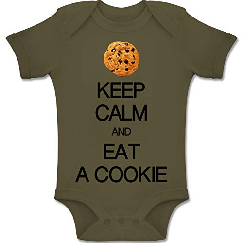 Up to Date Baby - Keep Calm and eat a Cookie - 6-12 Monate - Olivgrün - BZ10 - Baby Body Kurzarm Jungen ()