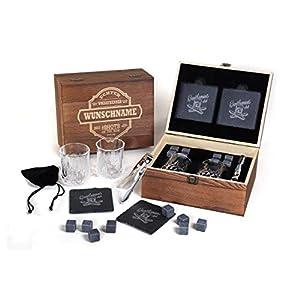 FORYOU24 Whisky Geschenk Box aus Holz mit Gravur des Namens I 2 Whiskeygläser I 2 Schiefer-Untersetzer I 8 Kühlsteine + Zange I in Geschenkverpackung I Geschenkidee zum Vatertag Geburtstag Weihnachten