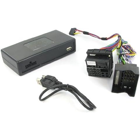 T1Audio T1-CTAFOUSB005–USB interfaz fot Ford Focus/C-Max/Fiesta/Mondeo/Fusion 2005> Transit 2006>. Esta interfaz se conecta directamente en para el cambiador de CD Puerto en la parte trasera de su radio casete o reproductor de CD, lo que le permite conectar cualquier dispositivo de audio portátil a través de entrada auxiliar. Solo se USB reproducción de un stick de memoria. Interfaz de tenga en cuenta que este no se apoyo Direct iPhone/iPod control a través de