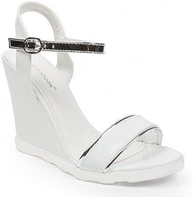 Ideal Shoes-Sandalias Bombes y barnizadas con Bride plateada Lalitha