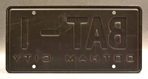 Zoom IMG-1 batman bat 1 metal stamped