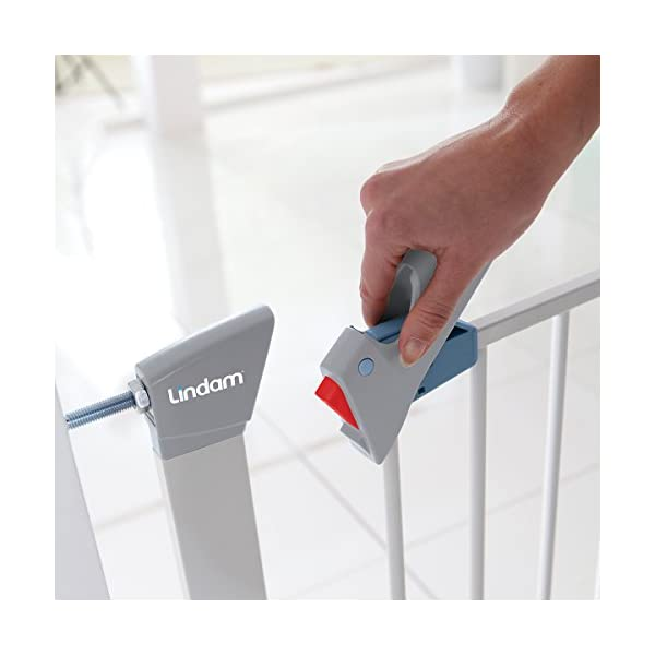 Lindam Sure Shut Axis Pressure Fit Safety Gate 76 - 82 cm, White Lindam Squeeze and lift handle for easy one handed adult opening Four point pressure fit - U shaped power frame provides solid pressure fitting; pressure indicator assures baby gate is installed correctly Also features second lock at the base of the gate 4