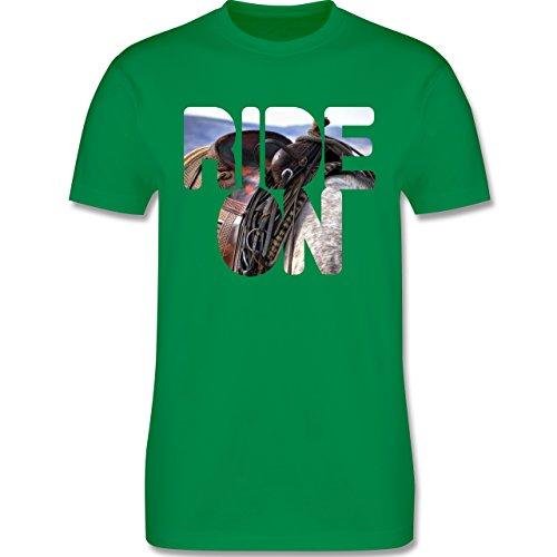 Statement Shirts - Ride on Pferd reiten - Herren Premium T-Shirt Grün