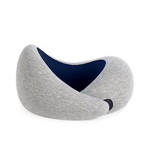 OSTRICHPILLOW GO Reisekissen mit Memory Foam für Flugzeuge, Auto, Nackenstütze für das Fliegen, Power Nap Kissen, Reisezubehör für Frauen und Männer – erhältlich in Blue