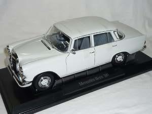 Mercedes-Benz 200 W211 Heckflosse Weiss Limousine 1/18 Norev Modellauto Modell Auto