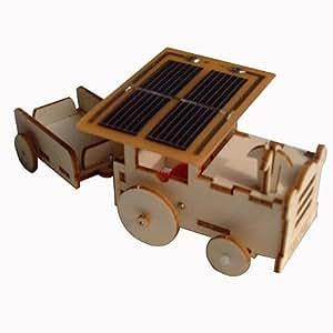 Maquette du tracteur en bois solaire
