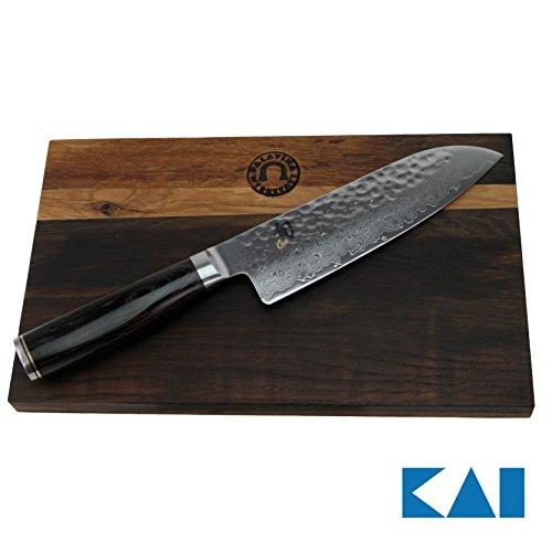 KAI Shun Premier Tim Mälzer Geschenkset Santokumesser 18 cm TDM-1702 Japan Messer + handgefertigtes, massives Schneidebrett aus Fassholz 30x18 cm(Eiche)