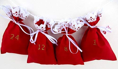 """Adventskalender zum Befüllen""""Weihnachten"""" in rot mit Glitzerzahlen und Häkelrand."""