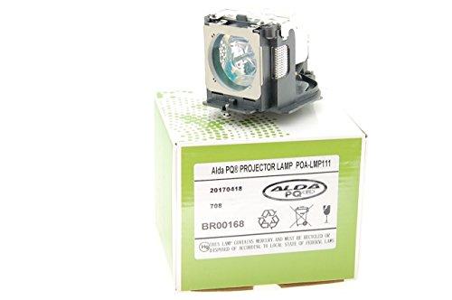 Alda PQ Beamerlampe POA-LMP111 / 610 333 9740 / POA-LMP121 / 610-337-9937 für SANYO PLC-WU3800, PLC-WXU30, PLC-WXU3ST, PLC-WXU700, PLC-XU101, PLC-XU105, PLC-XU106, PLC-XU111, PLC-XU115, PLC-XU116, PLC-XE50, PLC-XK450, PLC-XL50, PLC-XL51, PLC-XL51A Projektoren, Projektoren, Lampenmodul mit Gehäuse