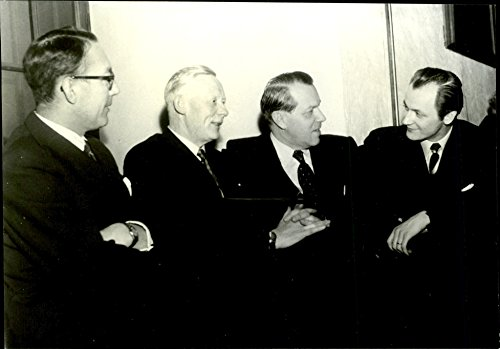 vintage-photo-of-meeting-for-managers-in-commerce-fv-sales-manager-norling-purchasing-becker-and-sal