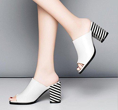 Wort dick mit Sandalen und Pantoffeln Damen-europäische und amerikanische Art und Weise Leder hochhackige Sandalen White