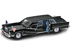 Lincoln Continental President Regan Car (1961) in Black (1:24 scale) Diecast Model Car Presidential series
