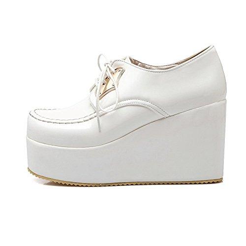 AgooLar Damen Schnüren Hoher Absatz Lackleder Rein Rund Schließen Zehe Pumps Schuhe Weiß