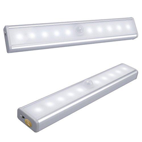2x SAVONGA Schranklicht LED Lichtleiste mit Bewegungsmelder, Schranklampen Schrankbeleuchtung Unterbauleuchte mit 24 LEDs kaltweiss, USB aufladbar, einsetzbar in Kleiderschrank Regalen Küche Bad u.a.