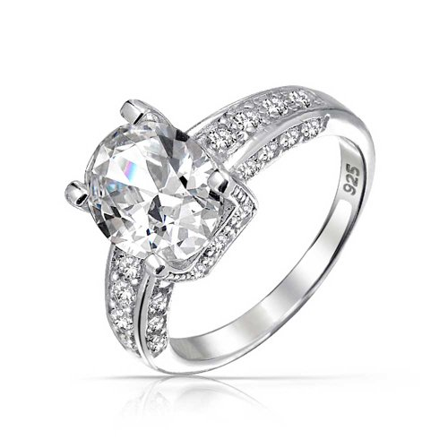 Bling Jewelry Taglio brillante ovale CZ Solitaire Argento anello di fidanzamento Three Sided