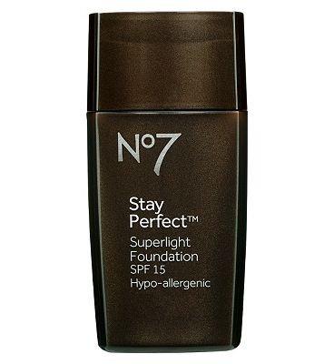 No7 Stay Perfect Superlight Foundation Beige Beige