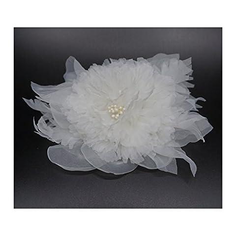 Broche fleur en tissu organza, couleur ivoire. Pour robe de mariage.