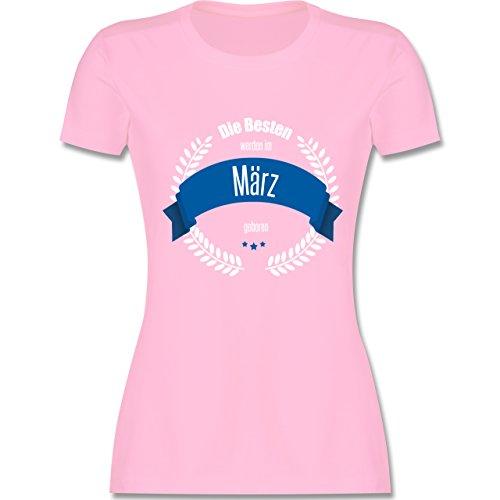 Geburtstag - Die Besten werden im März geboren - tailliertes Premium T-Shirt mit Rundhalsausschnitt für Damen Rosa