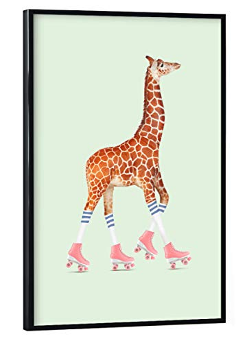artboxONE Poster mit schwarzem Rahmen 30x20 cm Rollerskating Giraffe von Jonas Loose - Poster mit Kunststoffrahmen