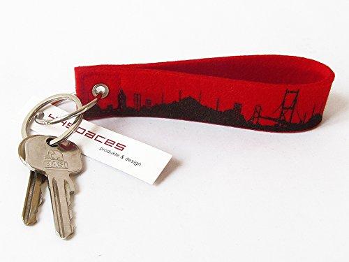 Preisvergleich Produktbild Schlüsselanhänger ISTANBUL Skyline Filz rot handgearbeitet aus Wollfilz, Schlüsselband als Geschenk für Istanbul-Liebhaber von 44spaces