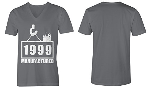 Manufactured 1999 - V-Neck T-Shirt Männer-Herren - hochwertig bedruckt mit lustigem Spruch - Die perfekte Geschenk-Idee (06) dunkelgrau
