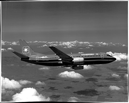 vintage-photo-of-maersk-737-300-is-the-first-of-boeings-new-142-seater-passenger-aircraft-to-operate