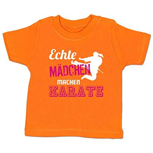 Shirtracer Sport Baby - Echte Mädchen Machen Karate - 3-6 Monate - Orange - BZ02 - Babyshirt Kurzarm
