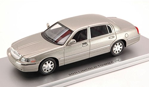 lincoln-town-car-2011-silver-143-luxury-auto-stradali-modello-modellino-die-cast