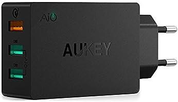 AUKEY Quick Charge 3.0 Caricabatteria da Parete 43,5W con 1 Porta Quick Charge 3.0 e 2 Porte 5V / 2,4A, Compatibile con iPhone, iPad, Samsung Note7 / S7 / S6 / S6 Edge, Xiaomi 5, Cuffie Bluetooth, Altoparlante ecc., Incluso un Cavo Quick Charge di 1M (Nero)