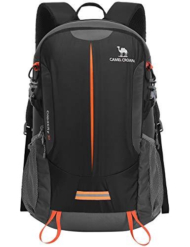 CAMEL CROWN Wanderrucksack Reiserucksack 30L Light Travel Rucksäcke Wasserdicht Rucksack mit Regenschutz für Männer Frauen Outdoor Walking