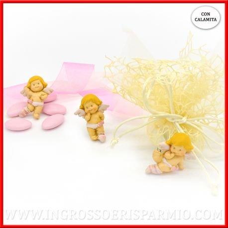Magnete/calamita in resina colorata a forma di piccolo angioletto custode con ali bianche e abitini di colore rosa in tre varianti assortite da femminuccia - bomboniere battesimo,nascita,comunione, primo compleanno (kit 48 pz)
